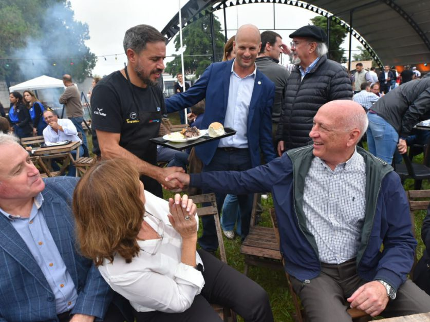 La política en ArgenCarne: Bonfatti recorrió la feria